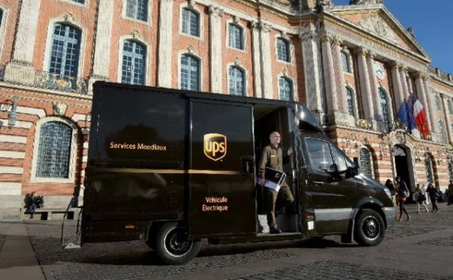 alquiler de furgonetas en Torre del Burgo