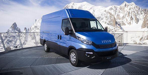 alquiler de furgonetas en Corte de Peleas